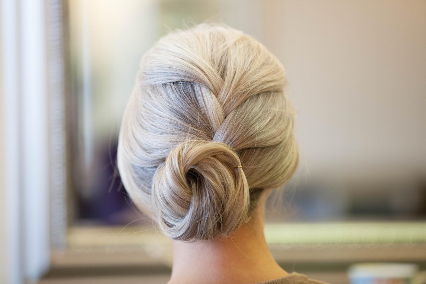 Hair how to's 3: Slouchy low braid bun