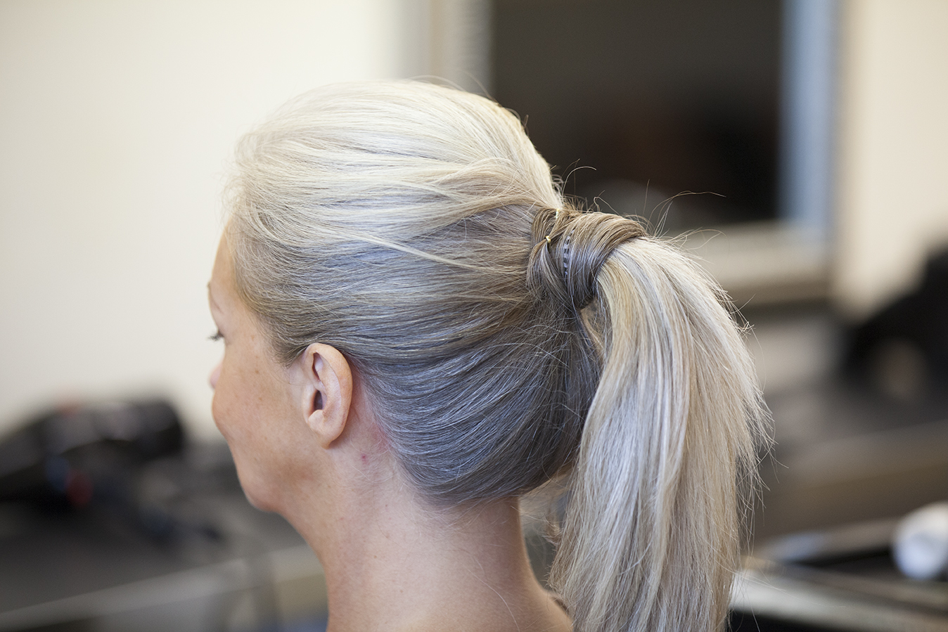 Our hair how to's: High Wrap-around Ponytail