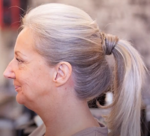 White Hot How To : The Ponytail